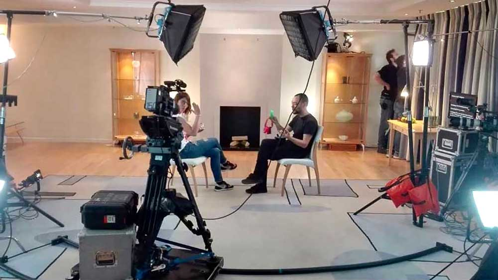 interview-set-up-dolly-brussels-video-crew